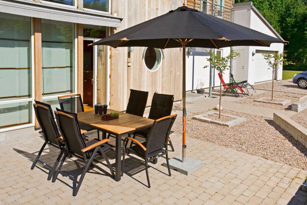Trä Parasoll 335cm Svart Parasoll Solskydd Utemöbler och Trädgårdsmöbler Folkhemmet com